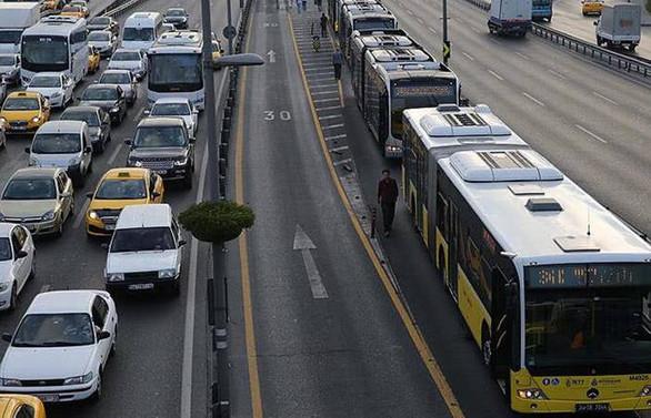 İstanbul'da virüs sonrası toplu ulaşım kullanımı azaldı