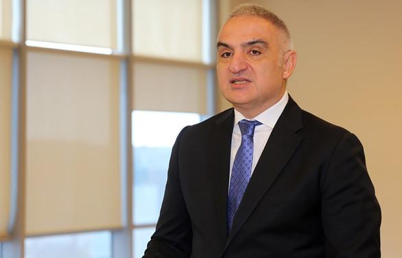 Bakan Ersoy: Özel tiyatrolara destek olacağız