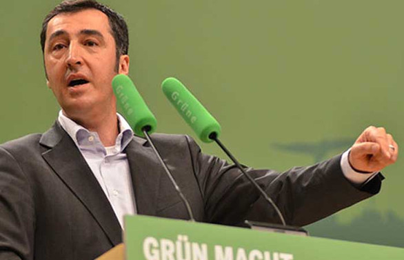 Almanya'da siyasetçi Cem Özdemir'in koronavirüs testi pozitif çıktı
