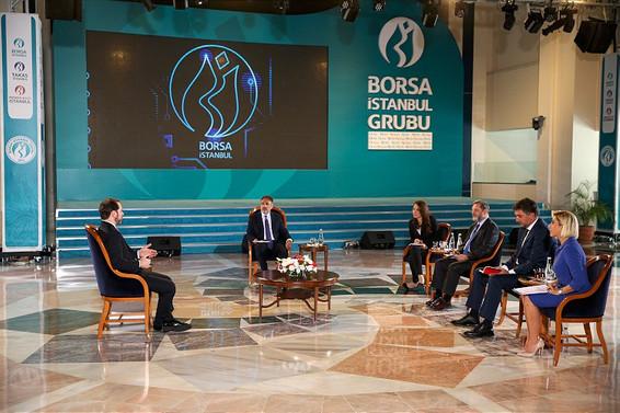 Bakan Albayrak: Dünya korku pandemisi yaşıyor, Türkiye ayrışıyor