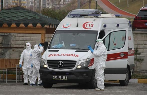 Bakan Albayrak: Sağlık çalışanlarına 4.5 milyar TL ödenek ayrıldı