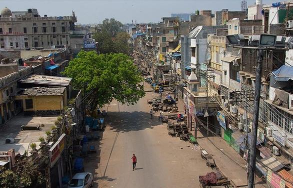 Hindistan'da 21 gün dışarı çıkma yasağı
