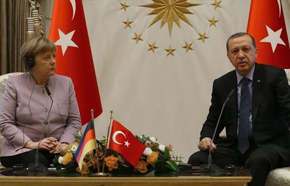 Erdoğan ile Merkel 'İdlib'i görüştü