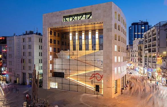 Yapı Kredi Kültür Sanat Yayıncılık'ta 3D sergi turları