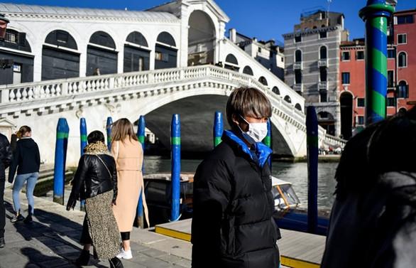 İtalya'da okulların kapatılması tartışılıyor