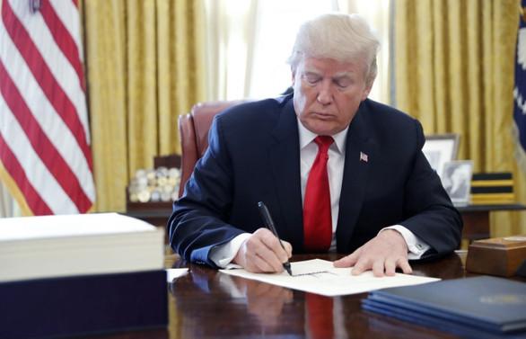 Trump'tan virüs için 8,3 milyar dolarlık bütçeye onay