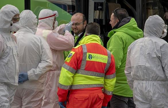 Avrupa'da koronavirüs vakaları da tedbirleri de artıyor