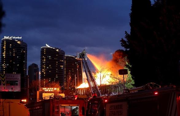 İSTOÇ'ta ambalaj atığı tesisinde yangın
