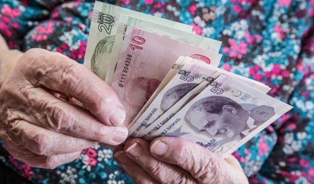 Emeklilerin bayram ikramiyesi ödemeleri başladı