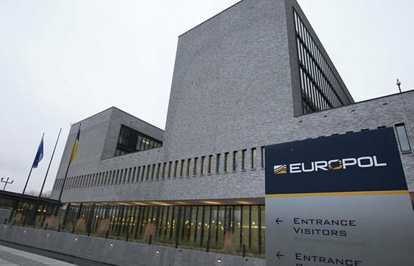 80 milyon euroluk 'değersiz hisse' operasyonu
