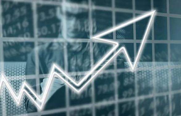 Küresel büyüme tahminini üçüncü kez aşağı yönlü revize etti