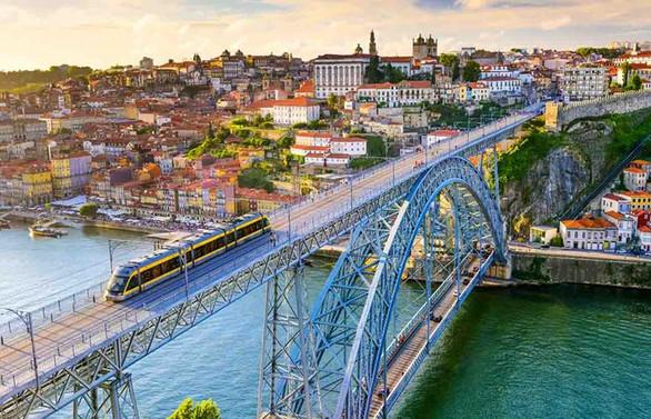 Portekiz, COVID-19'a karşı kademeli normalleşmeye geçiyor