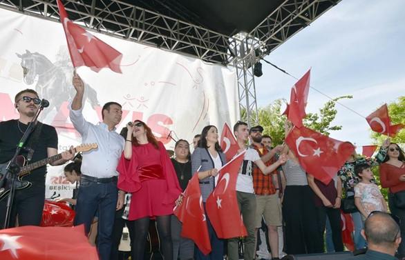 19 Mayıs coşkusu Beşiktaş'ta yaşanacak