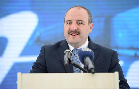 Varank: Türkiye'de maske ve koruyucu ekipman sorunu yok