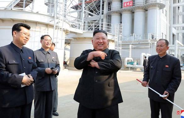 Kim Jong-un'un fabrika açılışı yaparken fotoğrafları ortaya çıktı