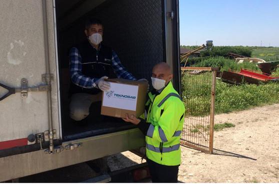 TEKNOSAB yönetiminden Karacabey'de ihtiyaç sahiplerine destek