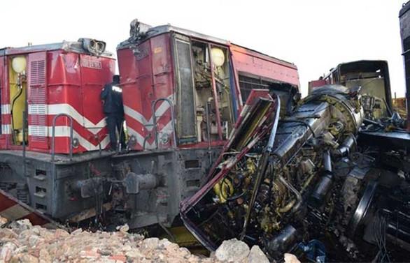 Malatya'da iki yük treni çarpıştı: 1 ölü,3 yaralı