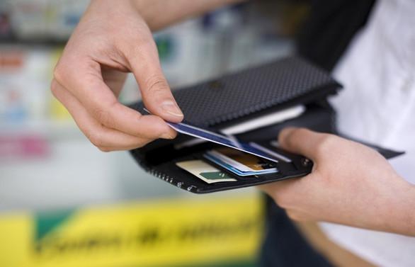 Kredi kartında batık yabancının sırtında