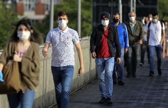 İstanbul, Ankara ve Bursa'da maske takmak zorunlu hale getirildi