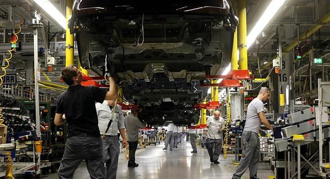 Otomotiv ve tekstil firmaları ayakta tutulmalı