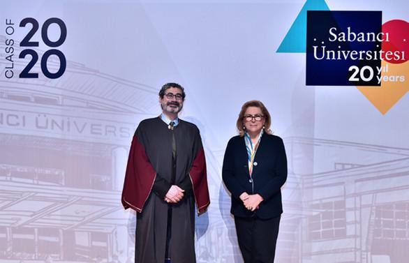 Sabancı Üniversitesi mezunları online törenle diploma aldı
