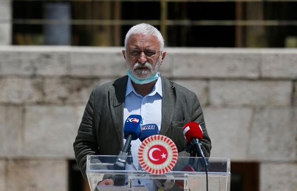 HDP'den çoklu baro sistemi eleştirisi