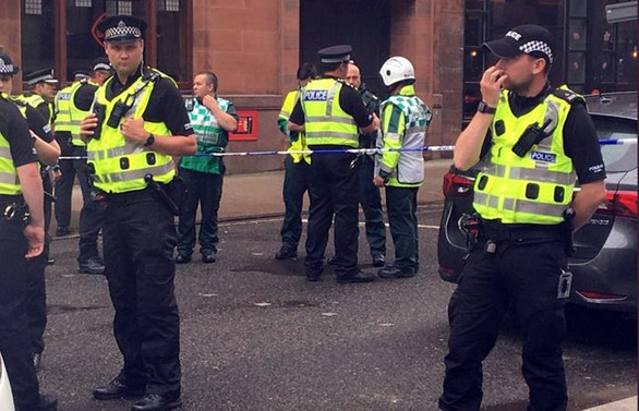 İskoçya'da bıçaklı saldırı: 3 ölü