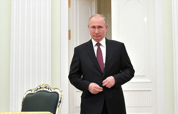 Putin'den referandumun bitmesine bir gün kala oylamaya katılın çağrısı