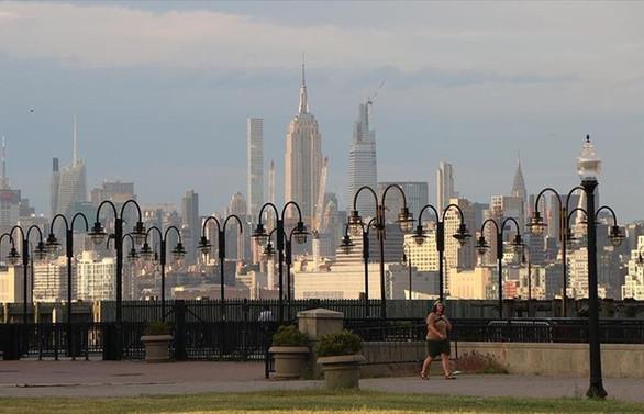 New York'ta sokağa çıkma yasağı kaldırıldı