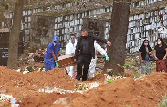 Salgın nedeniyle son 24 saatte Brezilya'da 1233, Meksika'da 579, Hindistan'da 606 kişi öldü
