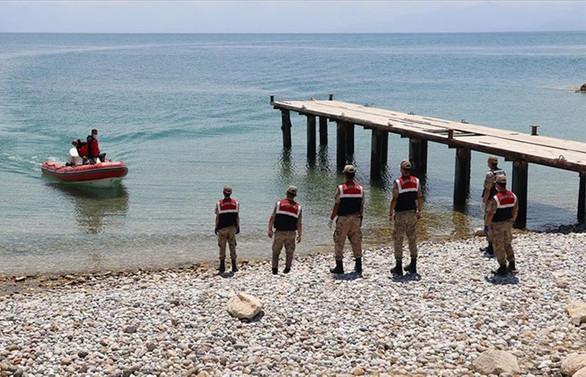 Van Gölü'ndeki tekne faciasında can kaybı 40'a yükseldi