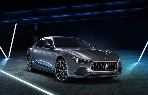 İlk elektrikli Maserati Ghibli Hybrid tanıtıldı