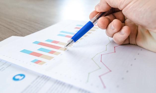 Anket: Ekonomi 2020'de %4.3 küçülecek; 2021'de %4.5 büyüyecek