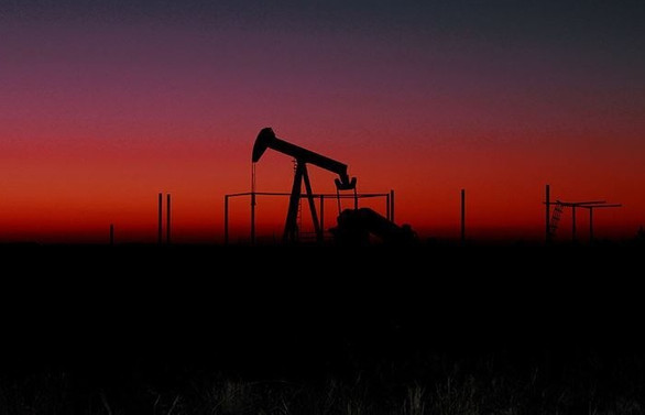 Petrol fiyatları ABD stoklarındaki keskin düşüş etkisiyle yükseldi