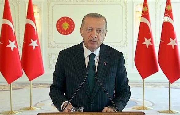Cumhurbaşkanı Erdoğan: Salgınla iki sektörün önemi ortaya çıktı