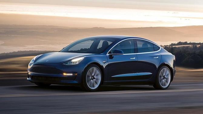 Tesla hissesini açığa satanları tiye almak için şort satıyor