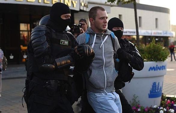 Belarus'ta seçim sonuçlarını protesto gösterileri gece boyunca devam etti
