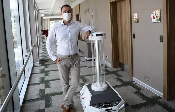 COVID-19 ile mücadelede yerli dezenfeksiyon robotu iş başında