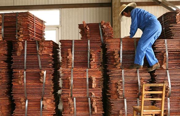Çin'in ihracatında sürpriz artış demir ve bakırda rekor ithalat