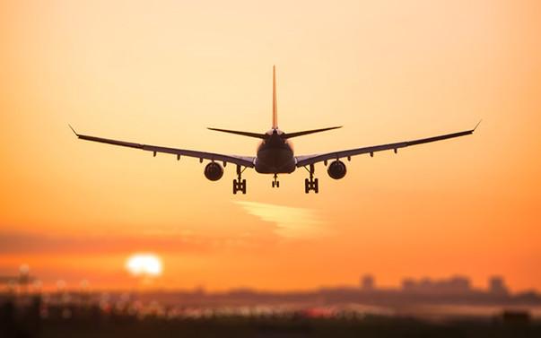 Pakistan'dan tüm iç ve dış hat uçuşlarına izin