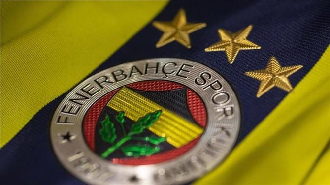 Fenerbahçe'de 6 futbolcunun lisansı çıktı