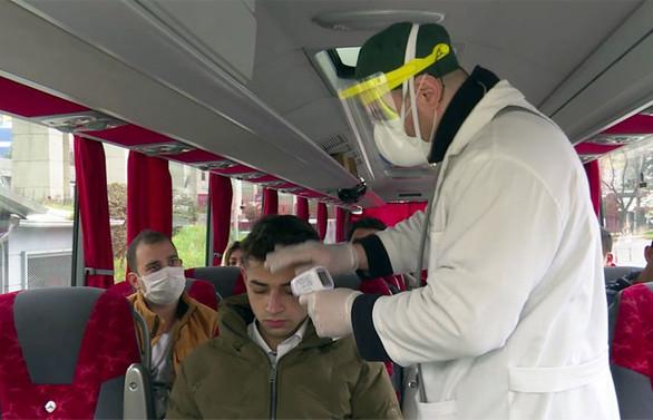 Bakan Koca'dan HES kodu açıklaması: 125 bin kişi seyahati riskli olduğu için engellendi