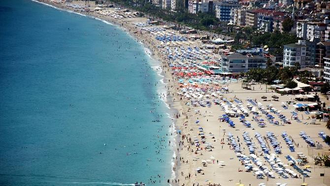 Antalya, 8 ayda 1 milyon 558 bin turistin adresi oldu