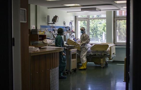 COVID-19'dan son 24 saatte 71 ölüm, 1511 yeni vaka