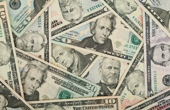 Dolarda yeni rekor: 7,44'ü aştı