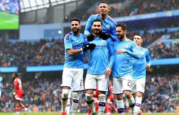 Manchester City'nin sahibi Fransa'dan takım aldı