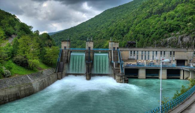 978 megavat eletrik üretim kapasitenin 652,6 megavatını HES'ler oluşturdu
