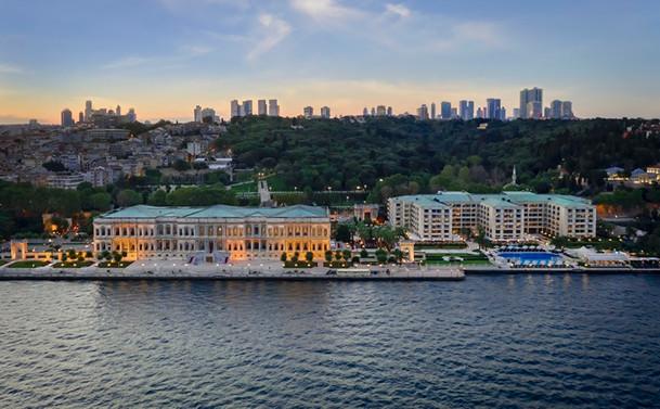 """Forbes Travel Guide'dan Çırağan Sarayı'na """"Beş Yıldız"""