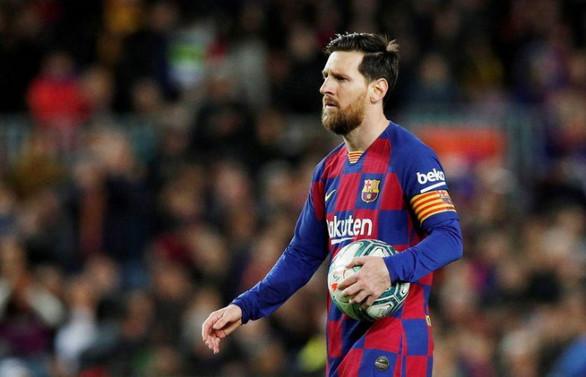 Messi Barcelona'da kalacak