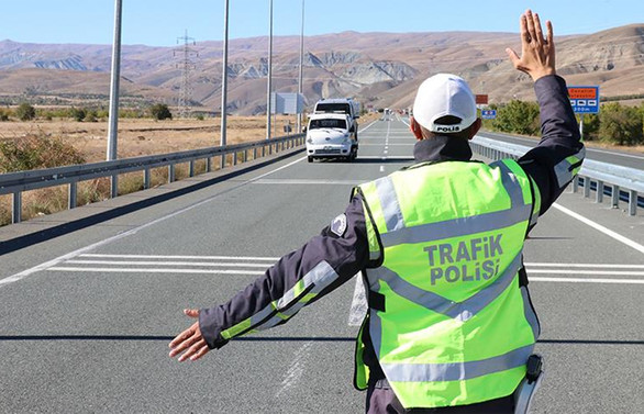 İşçi ve personel taşımacılığı denetimlerinde 698 araç trafikten men edildi